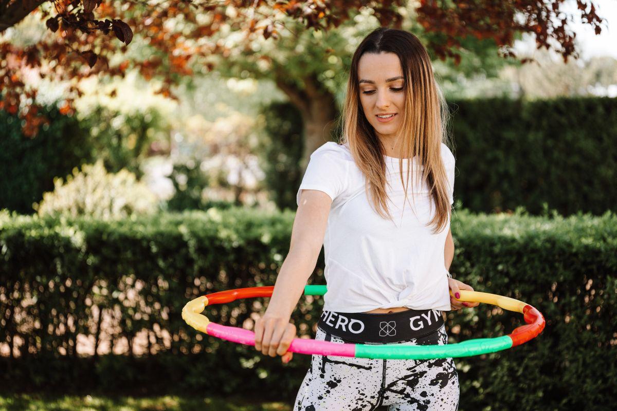 cele mai antrenante exercitii cu cercul Hula Hoop
